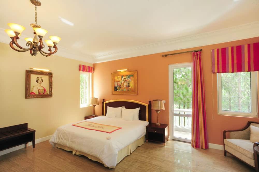 Phòng nghỉ ấm cúng với những màu sắc vui tươi, hiện đại