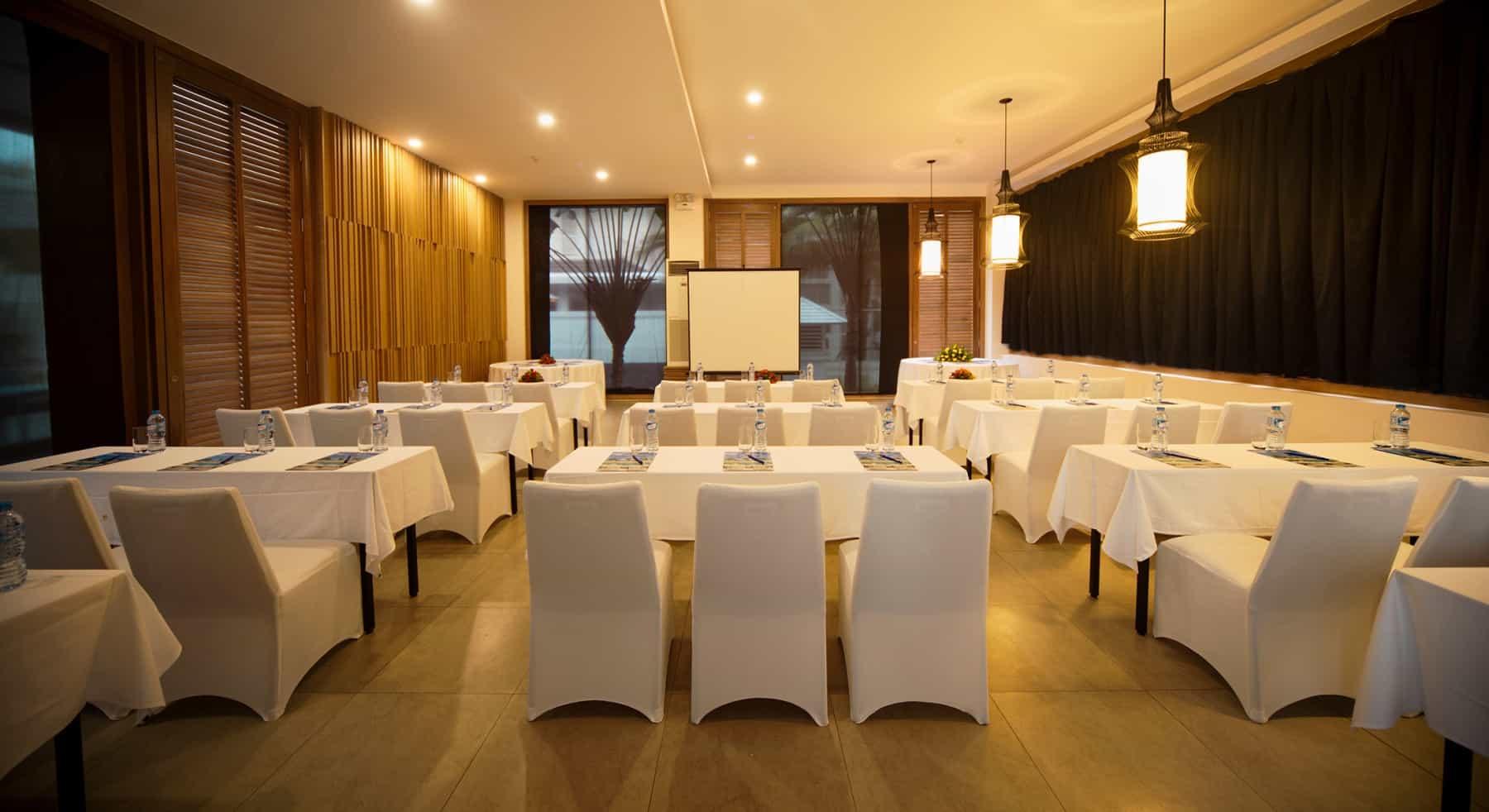 Không gian tổ chức hội nghị trong nhà