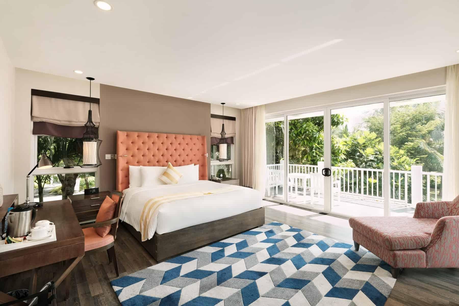 Phòng ngủ thoáng sáng cùng tiện nghi hiện đại