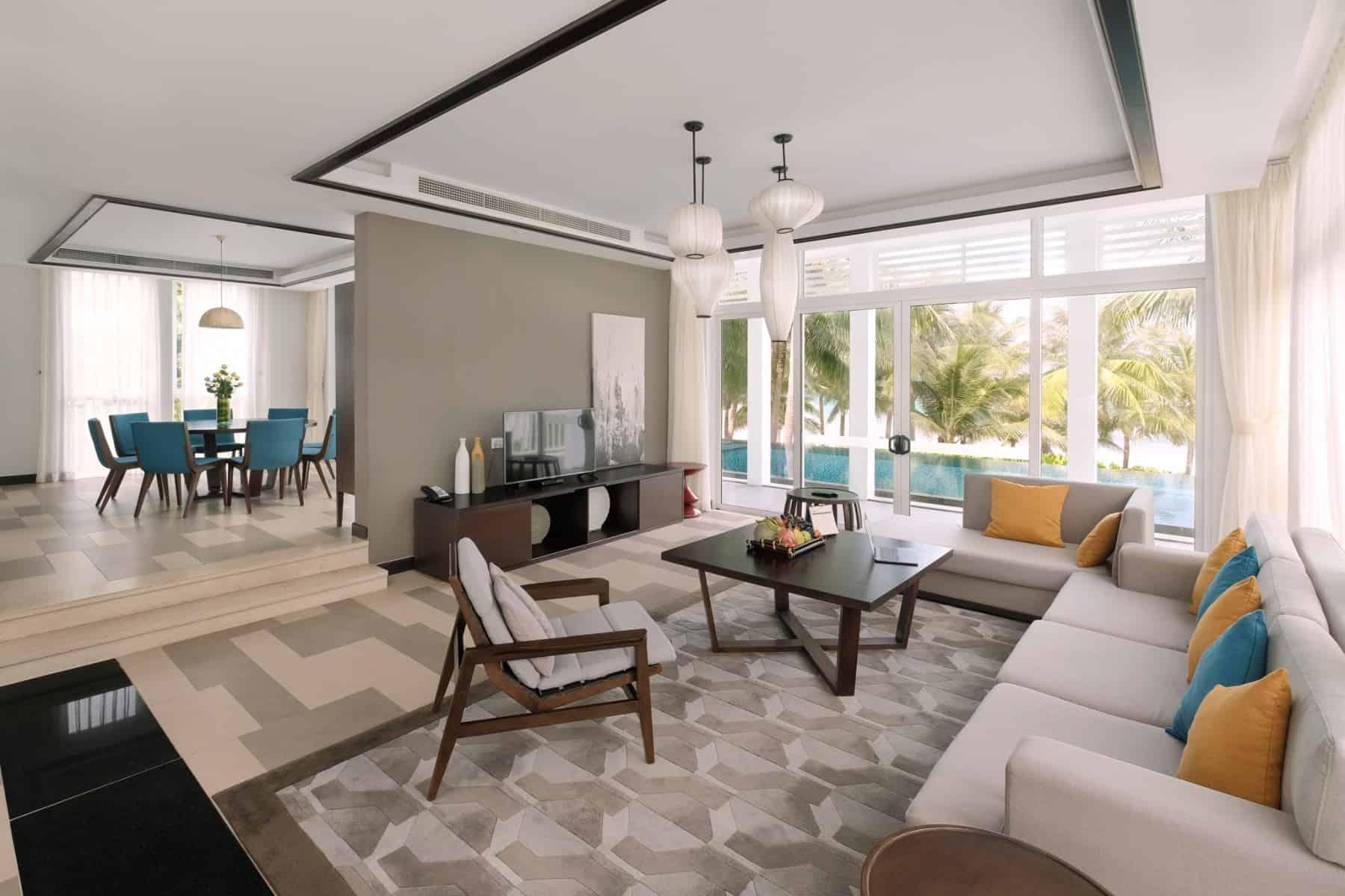 Thiết kế phòng khách sang trọng, ưu tiên những khoảng mở để tối ưu ánh sáng tự nhiên và tầm nhìn đẹp