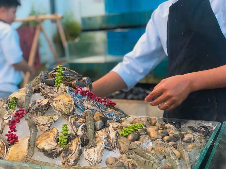 Chợ hải sản tươi sống tại Seaside Boutique Resort Quy Nhơn
