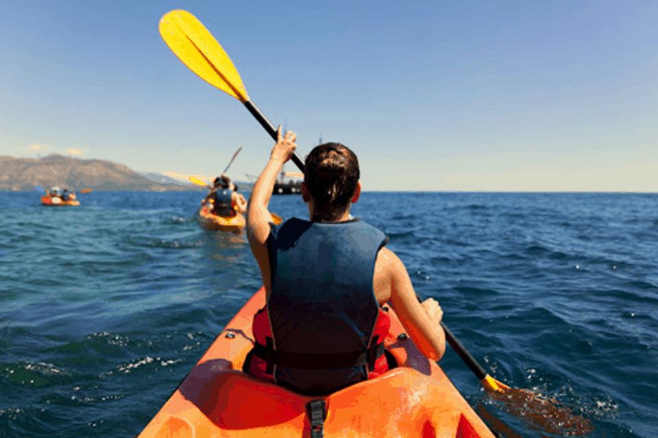 Trải nghiệm chèo kayak trên biển