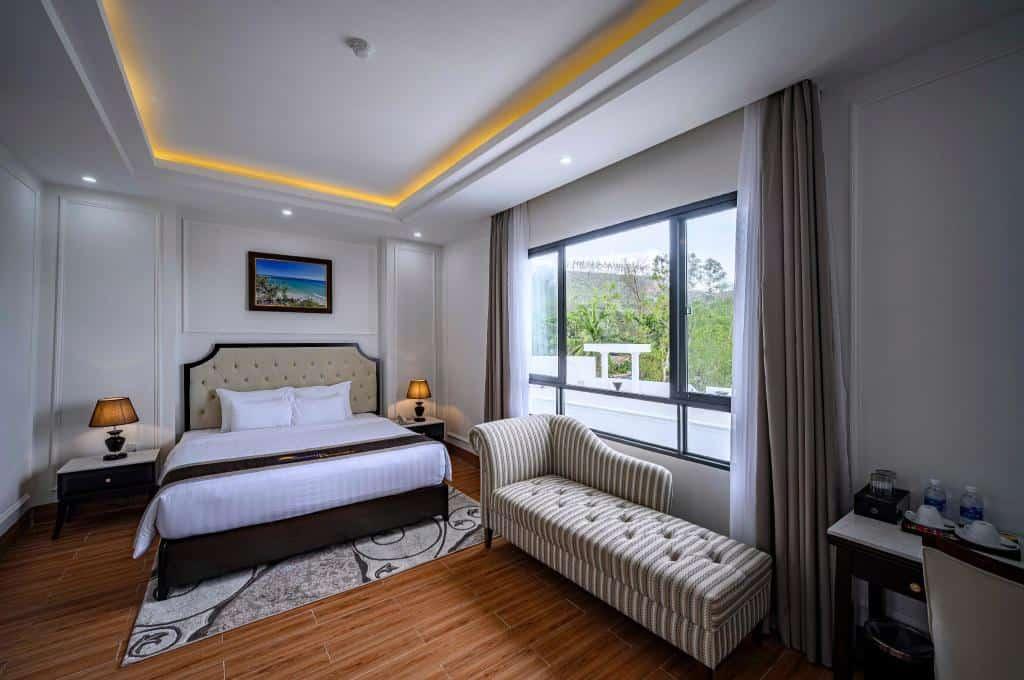 Phòng nghỉ Deluxe Ocean được thiết kế sang trọng và tiện nghi