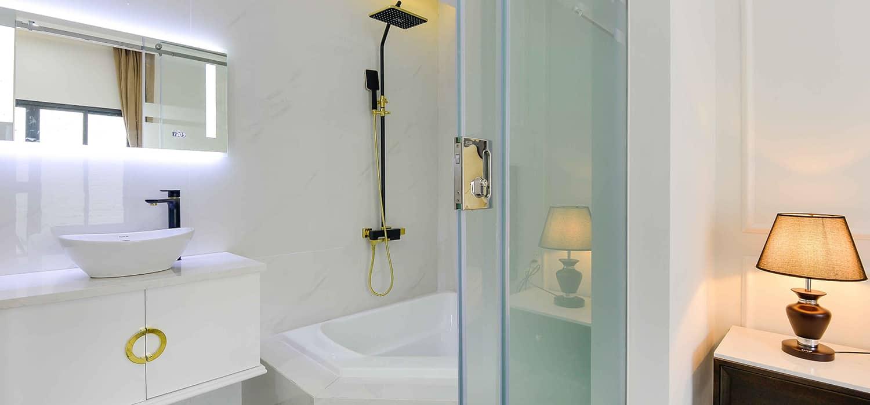 Phòng tắm với thiết kế thoáng sáng, tiện nghi