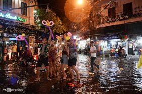 Những lưu ý quan trọng khi du lịch mùa mưa lũ