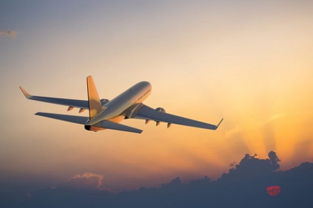 Có nên mua vé máy bay trên mạng không?