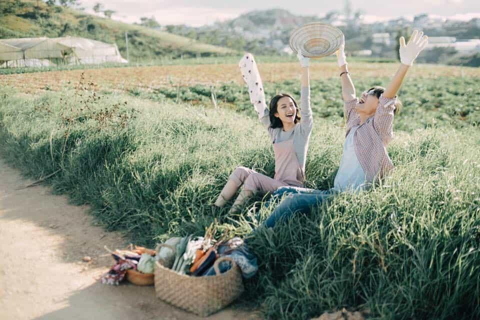 Những giây phút bên nhau bình dị. Hình: Lê Ng Hiền