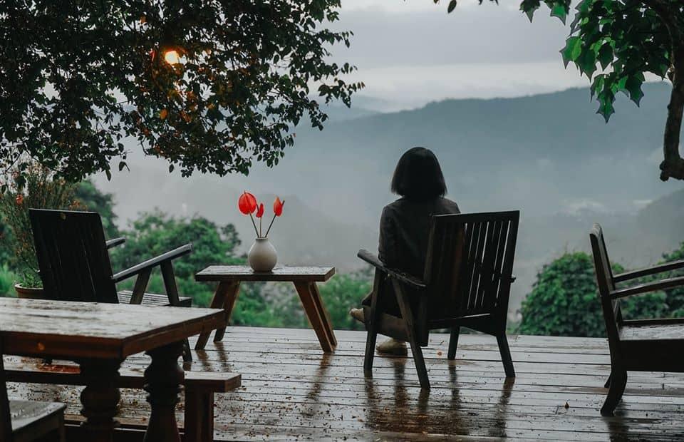 Dừng chân ở cafe Đợi Một Người. Hình: Hoàng Linh Hà