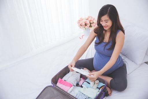 Chuẩn bị đầy đủ mọi thứ trước chuyến đi, ưu tiên trang phục thoải mái - Nguồn ảnh: Internet