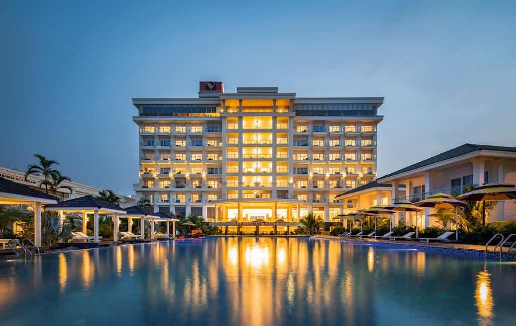 Tổng thể bên ngoài Gold Coast Hotel Resort & Spa