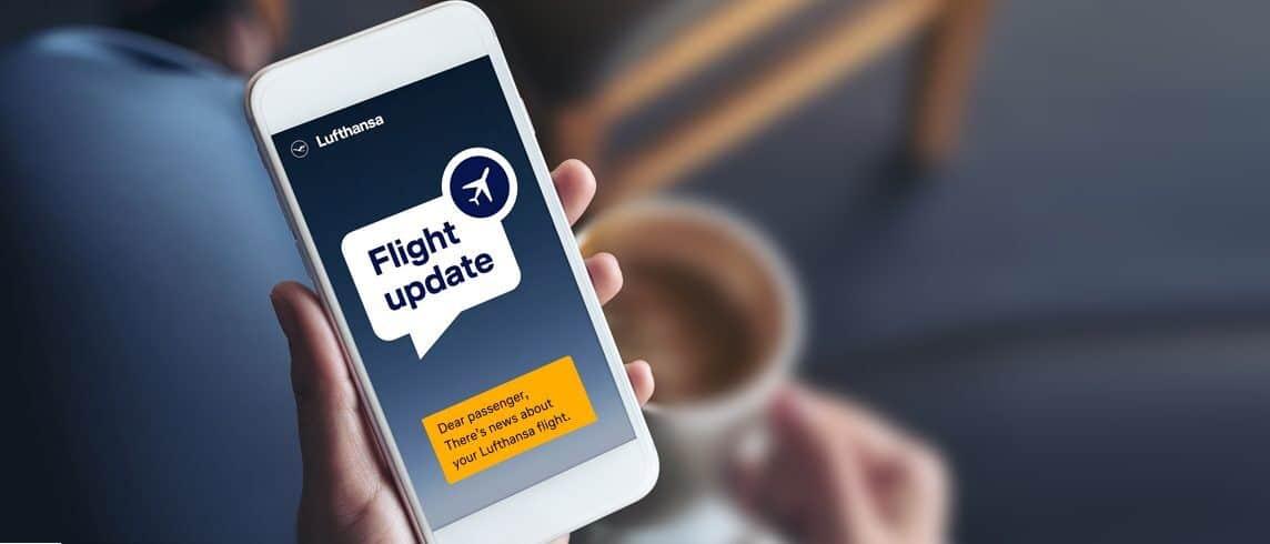 Để ý thông tin về chuyến bay được gửi đến tin nhắn/ email