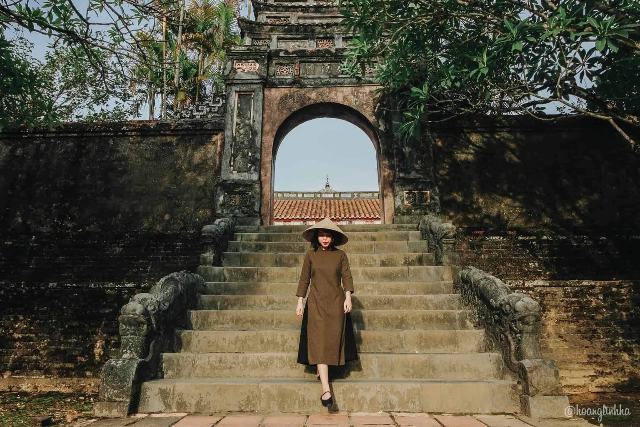 Lăng Minh Mạng cổ kính. Hình: Hoàng Linh Hà