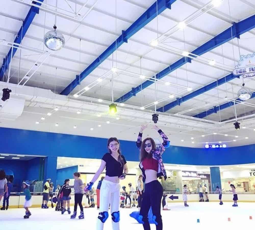 Vincom Ice Rink không chỉ là sân trượt băng mà còn là nơi sống ảo cực hot - Nguồn ảnh: Internet