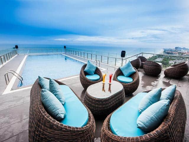 Bể bơi vô cực trên tầng thượng Adamo hotel