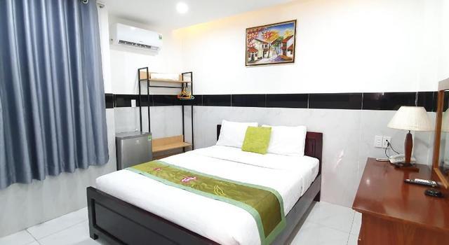 Phòng single có cửa sổ tại Trường Giang hotel