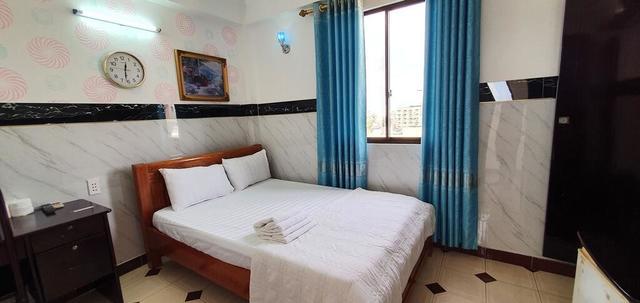 Phòng standard giường đôi tại khách sạn Thanh Lan được trang bị khá tiện nghi