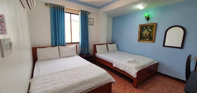 Phòng standard dành cho 4 người với không gian thoáng mát tại Thanh Lan hotel