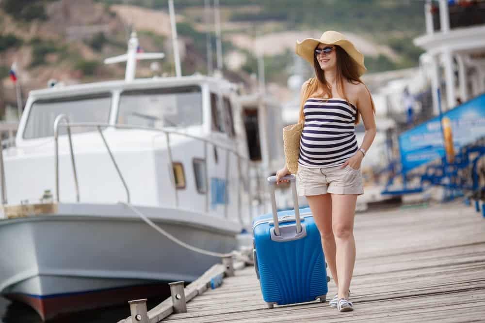 Đi du lịch khi mang thai như thế nào là an toàn cho cả mẹ và bé? - Nguồn ảnh: Internet