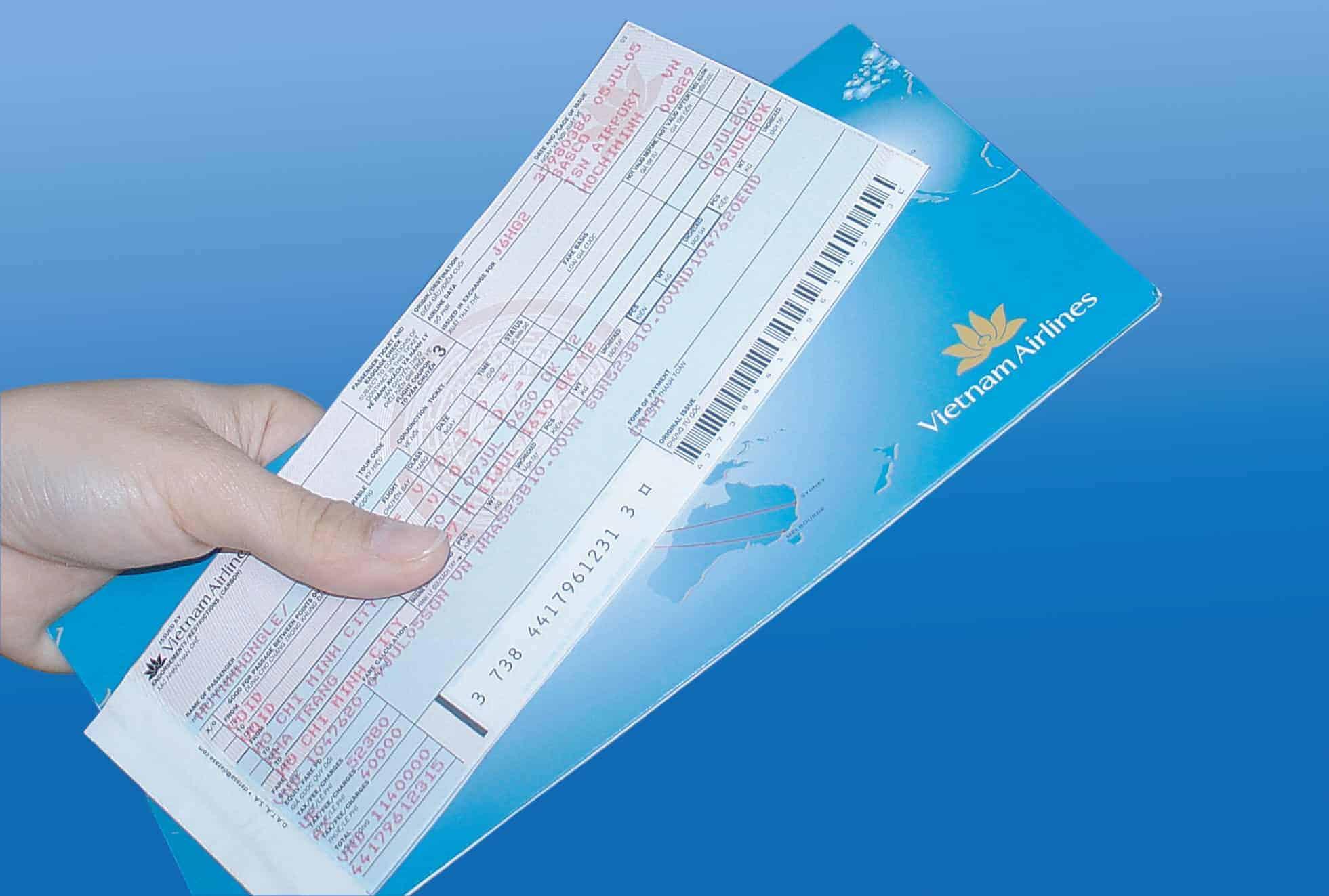 Đọc kĩ lại các điều kiện vé, tùy vào từng hãng, bạn sẽ phải trả một mức phí nhất định khi đặt vé mới