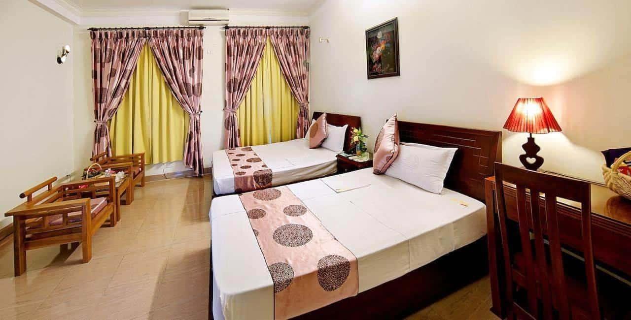 Không gian các phòng nghỉ của khách sạn được bài trí mang lại vẻ ấm cúng như ở nhà