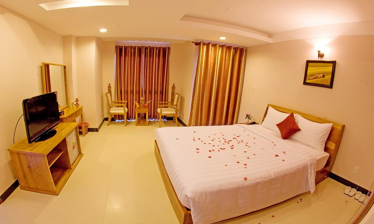 Phòng superior giường đôi với đầy đủ tiền nghi trong không gian được thiết kế hiện đại