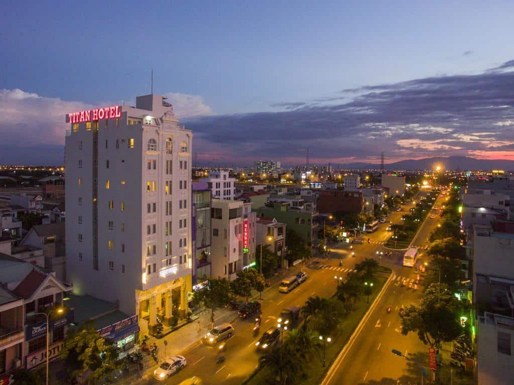 Khách sạn Titan nằm giữa lòng Đà Nẵng