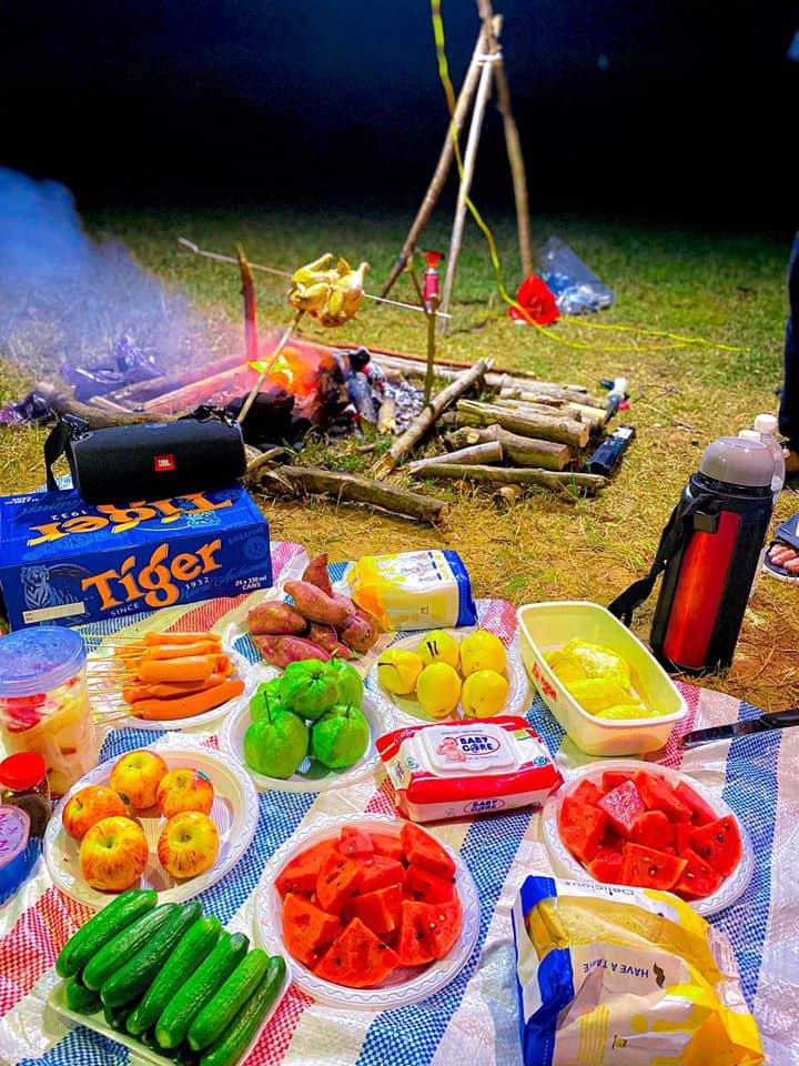 Tổ chức tiệc BBQ xuyên màn đêm cùng nhóm bạn cực thú vị - Nguồn ảnh: Minh Ngọc