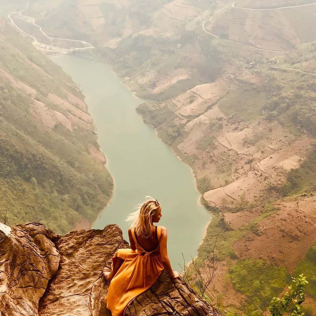 Chiêm ngưỡng dòng sông Nho Quế từ trên đèo Mã Pì Lèng. Hình: @lolaoome