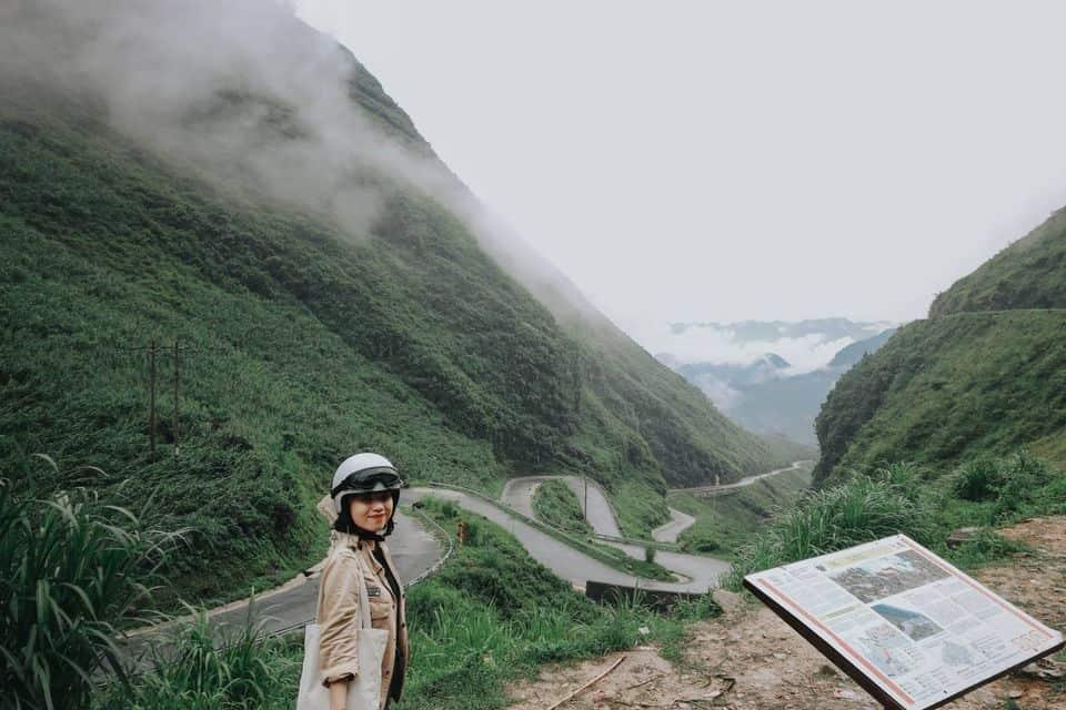 Dốc Thẩm Mã những ngày chìm trong mây. Hình: Hoàng Linh Hà