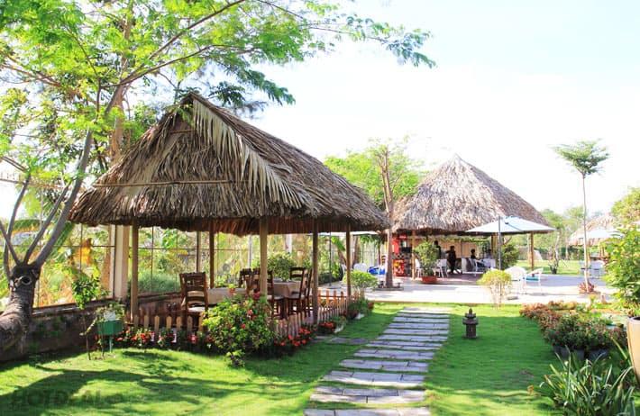 """Hội quán Bách Mộc được ví như """"khu vườn trong phố"""" – đóa xuân ngời ngay chính giữa khu đô thị xa hoa bậc nhất Việt Nam - Nguồn ảnh: Internet"""