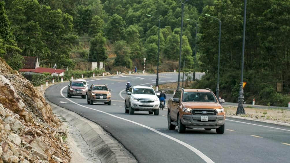Du lịch xuyên Việt bằng ô tô
