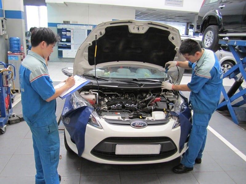 Bảo dưỡng xe là điều quan trọng nhất trước hành trình xuyên Việt bằng ô tô