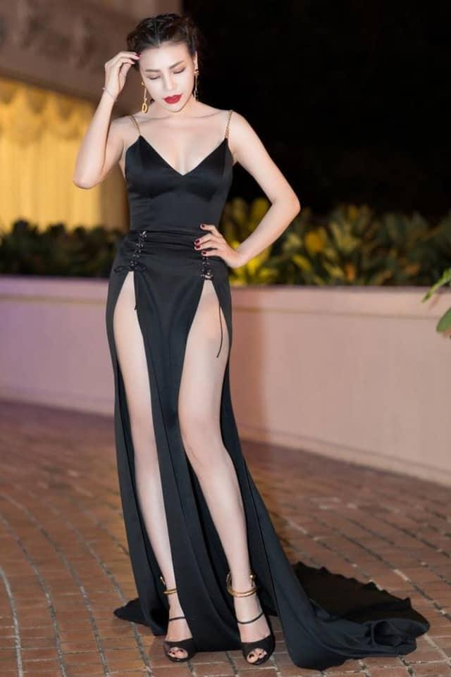 Váy xẻ hai bên đùi cực sexy nhưng lại rất kén người diện. Ảnh: Internet