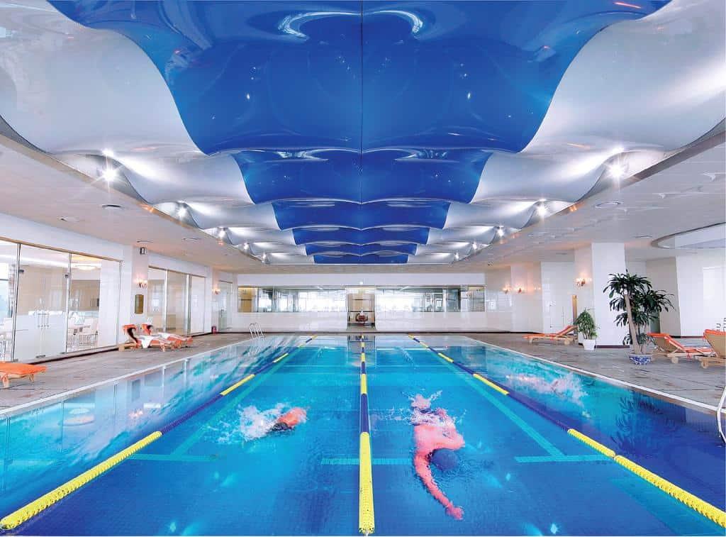 Bể bơi trong nhà tại khách sạn Grand Plaza Hà Nội - Nguồn ảnh: Internet