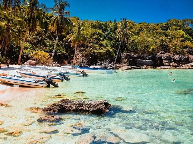 Combo du lịch Phú Quốc giá rẻ chính là phương án tốt nhất để bạn có một chuyến du lịch hoàn hảo nhưng vẫn tiết kiệm chi phí, thời gian và công sức