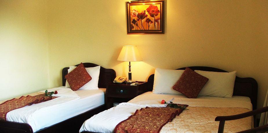 Hạng phòng Superior được bố trí 1 giường đôi và 1 giường đơn, hoặc 3 giường đơn