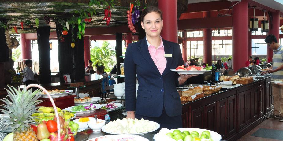 Nhà hàng Cung Đình là nhà hàng được yêu thích tại khách sạn Hải Âu