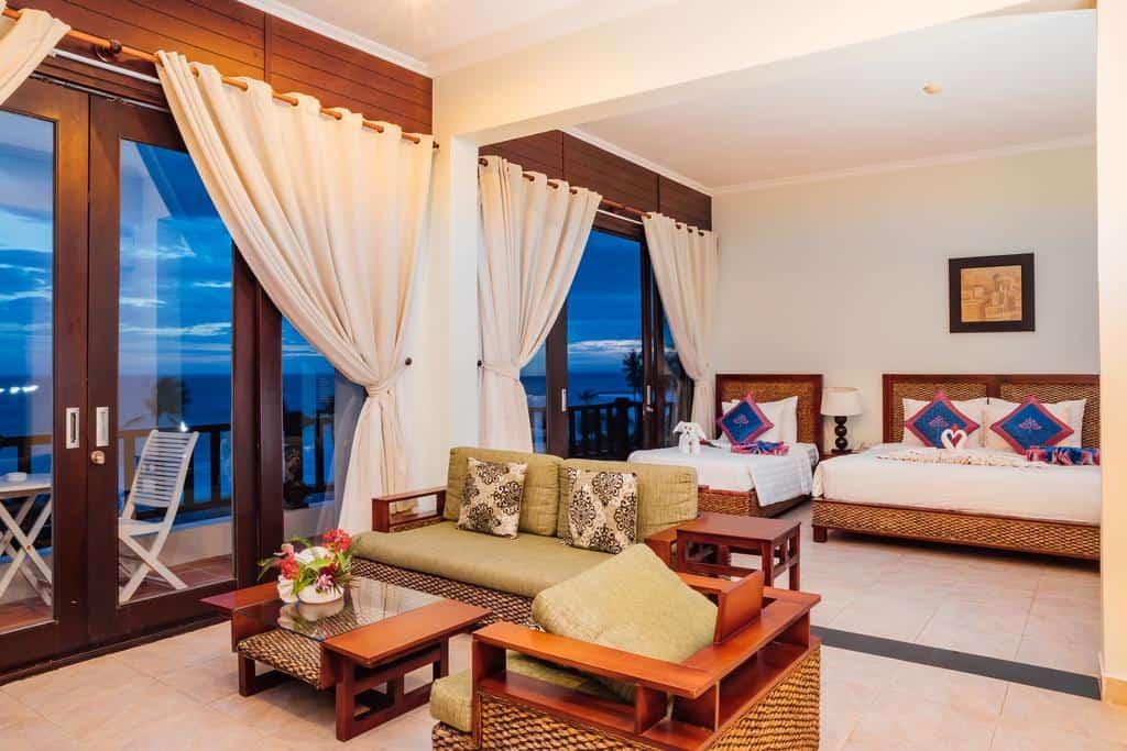 Loại phòng Lotus Suite Ocean View với diện tích lên đến 110m2
