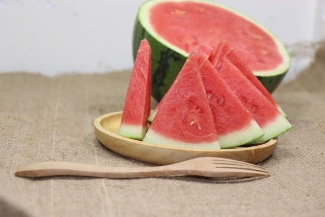 Dưa hấu là loại trái cây luôn có trong ngày mùng 1 hoặc Tết. Ảnh: Internet