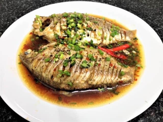 Không nên ăn cá mè vào ngày mùng 1 đầu tháng. Ảnh: Internet