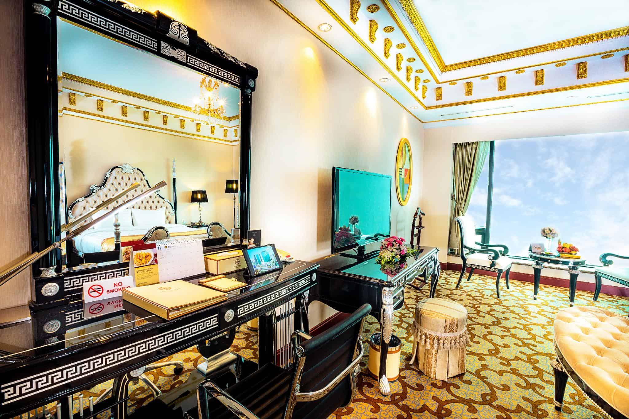 Không gian được thiết kế hướng đến sự đẳng cấp xa hoa tại phòng Suite Charmvit - Nguồn ảnh: Internet