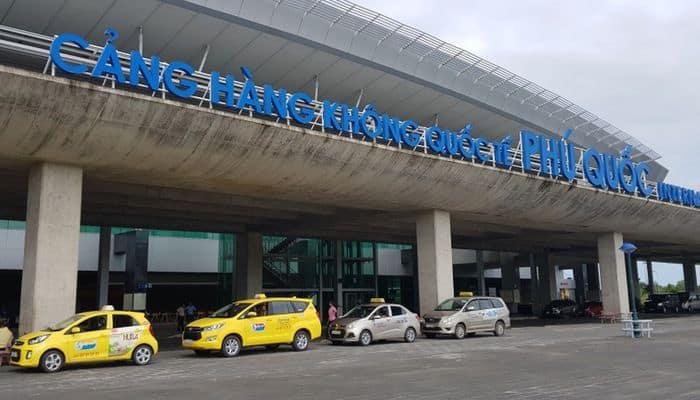 Taxi là hình thức di chuyển thuận tiện được nhiều du khách lựa chọn - Nguồn ảnh: Internet