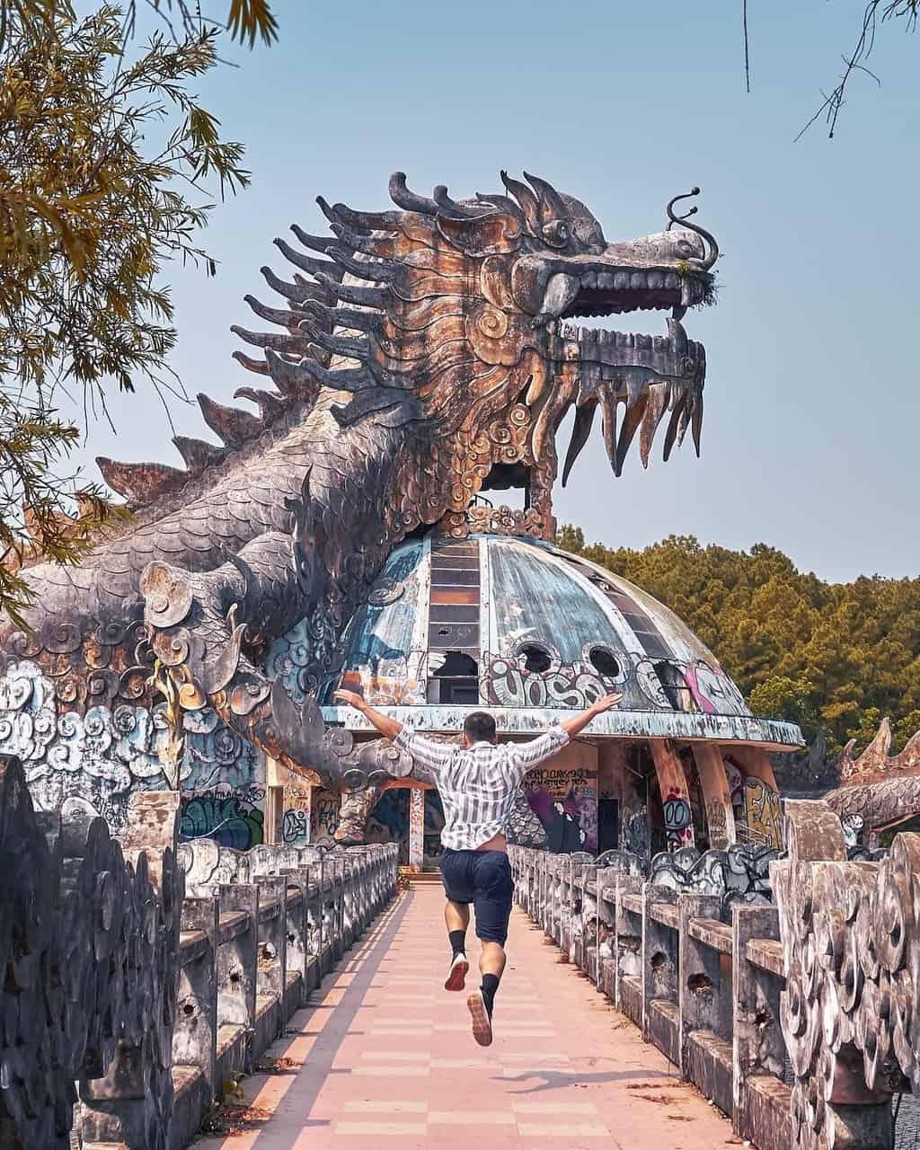 Công viên nước Hồ Thủy Tiên - điểm check-in độc đáo ở Huế. Hình: Instagram @Dimotngaydang