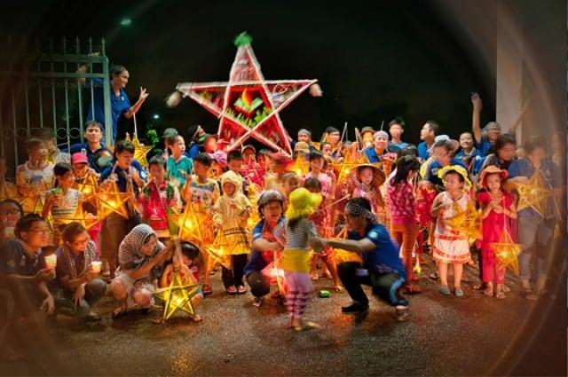 Trò chơi đêm Trung thu được tổ chức linh đình tại các trung tâm văn hóa. Ảnh: Internet