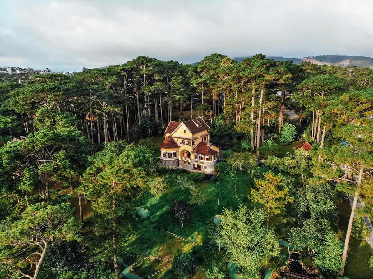 Khung cảnh thiên nhiên thơ mộng tại Ana Mandara Villas Dalat Resort & Spa.