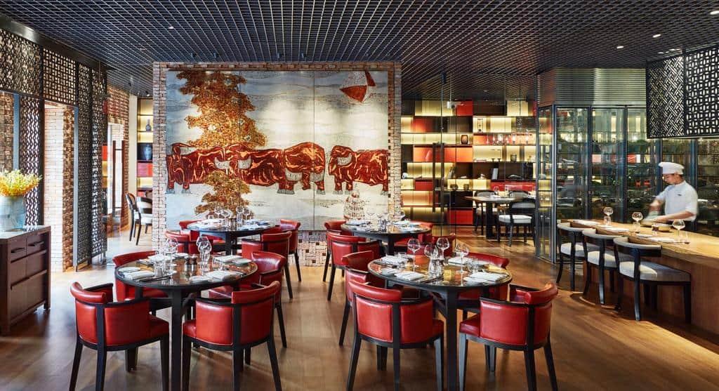 Không gian nhà hàng sang trọng độc nhất chỉ có tại Park Hyatt Saigon