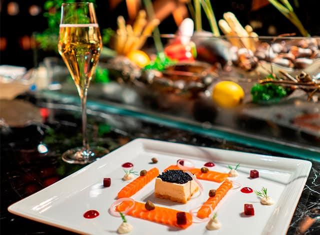 Tận hưởng ẩm thực Ý đặc sắc tại khách sạn với không gian đẳng cấp