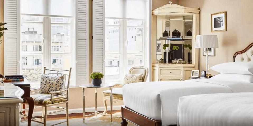 Phòng giường đôi cùng không gian bừng sáng