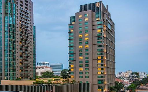 Tòa nhà hiện đại của khách sạn InterContinental Sài Gòn tọa lạc tại trung tâm thành phố