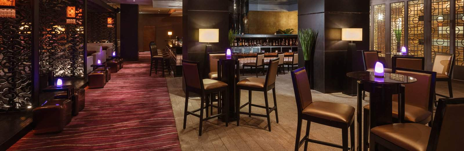 Không gian giải trí sang trọng tại Purple Jade Cocktail Bar